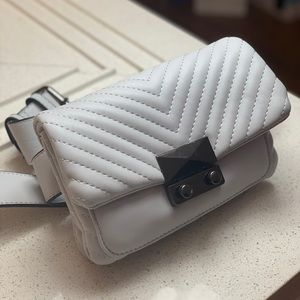 AQUA Skinny V Quilt Belt Bag